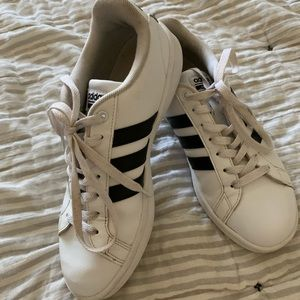 Adidas 6 striped sneakers